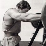 Power Of The Pyramid: Don't Give Your Muscles The Same Reps & Weight Every Set, Make Them Work!