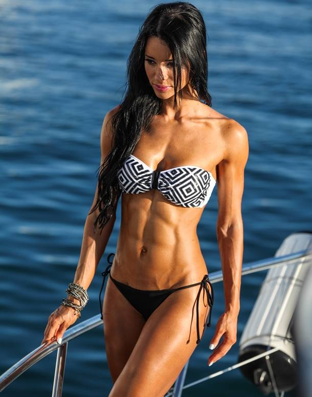 Fitness Diva: Cover Model Alzira Rodriguez Talks With Simplyshredded.com