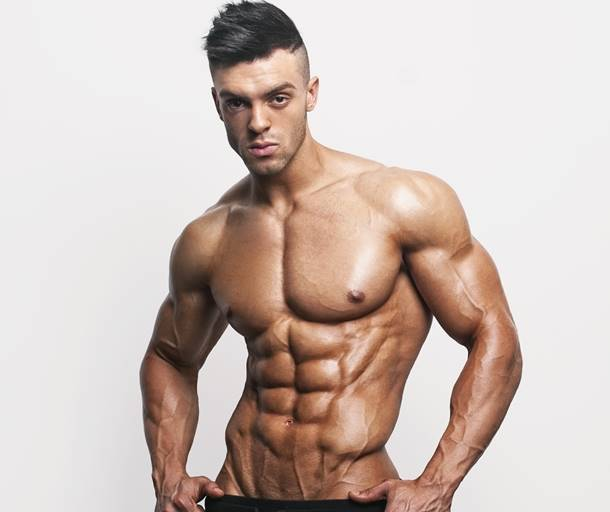 Rising Star: Fitness Model Daniel Blackwell Talks With Simplyshredded.com