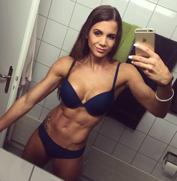 Swiss Fitness Model Andrina Santoro Talks With Simplyshredded.com