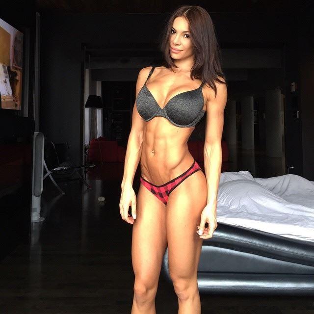 Fitness Model Bianca Gabriela Talks With Simplyshredded.com